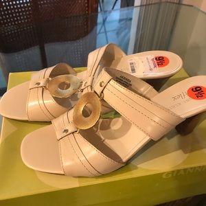 Anne Klein Flex Beige high Heel Sandals Size 9.5